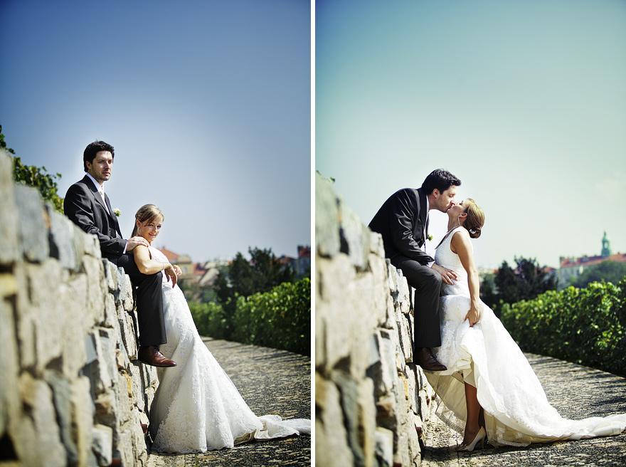 nevěsta a ženich u pražských vinohradů