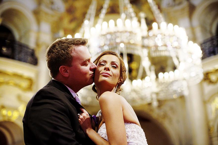 svatba v kostele sv. Mikuláše v Praze