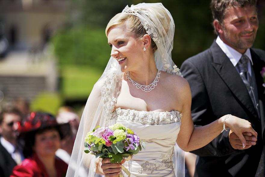 svatební fotografie na zámku Lnáře
