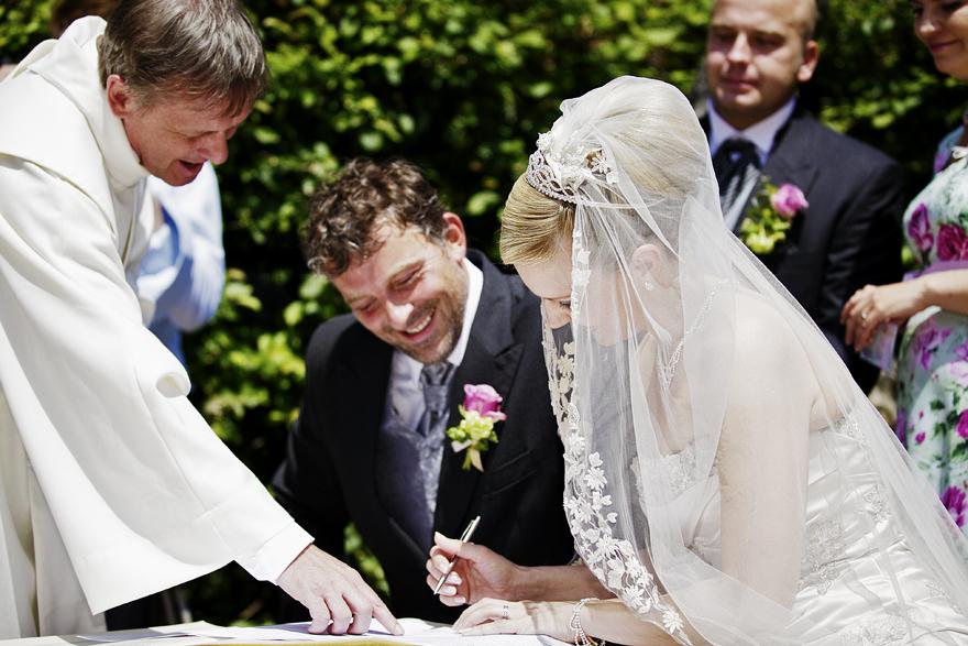 svatební obřad na zámku Lnáře