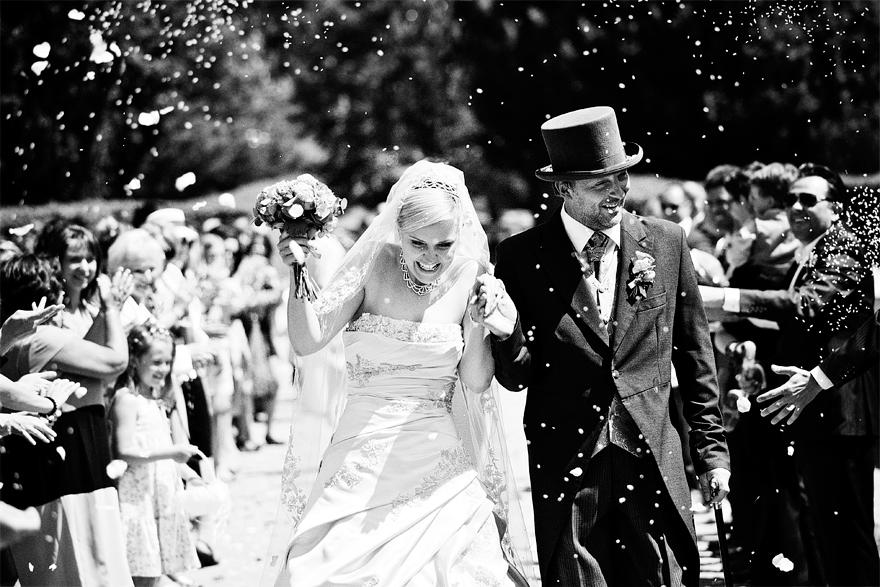 svatební průvod na zámku Lnáře