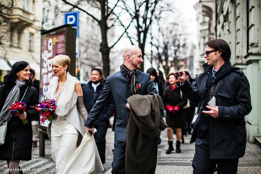 svatební fotografie Praha Pařížská ulice