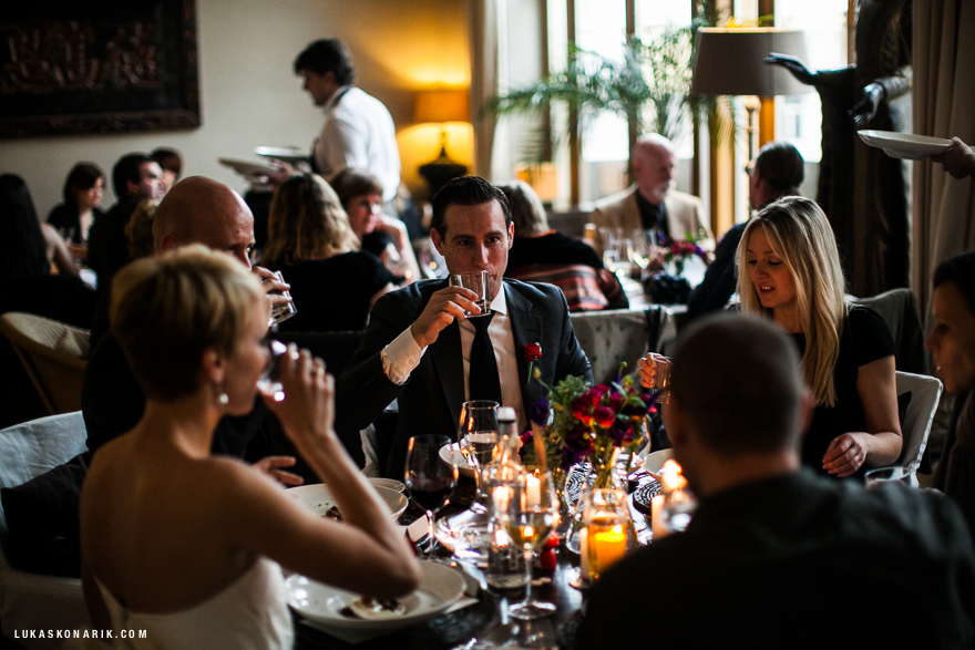 svatební hosté v Praze