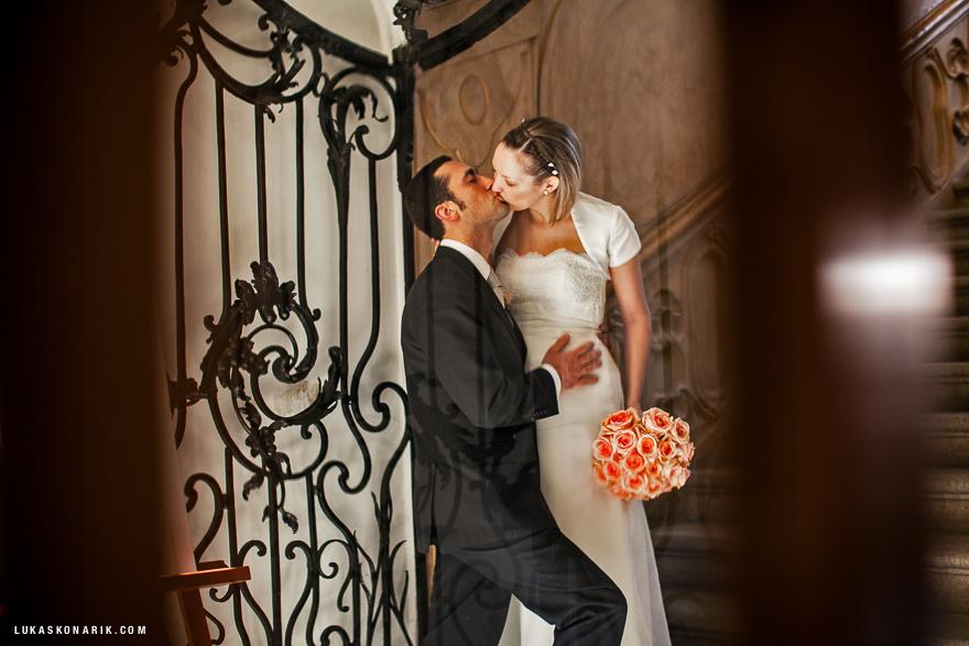svatební fotografie novomanželů na Libeňském zámečku