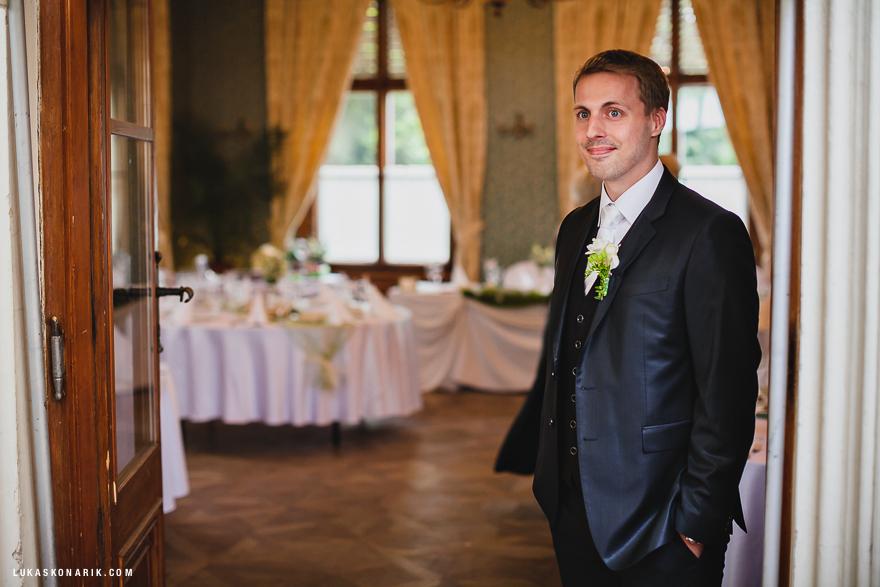 ženich před svatbou v St. Havel v Praze