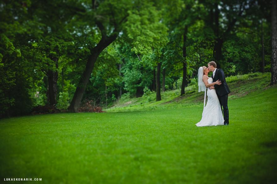novomanželé na zahradě St. Havel