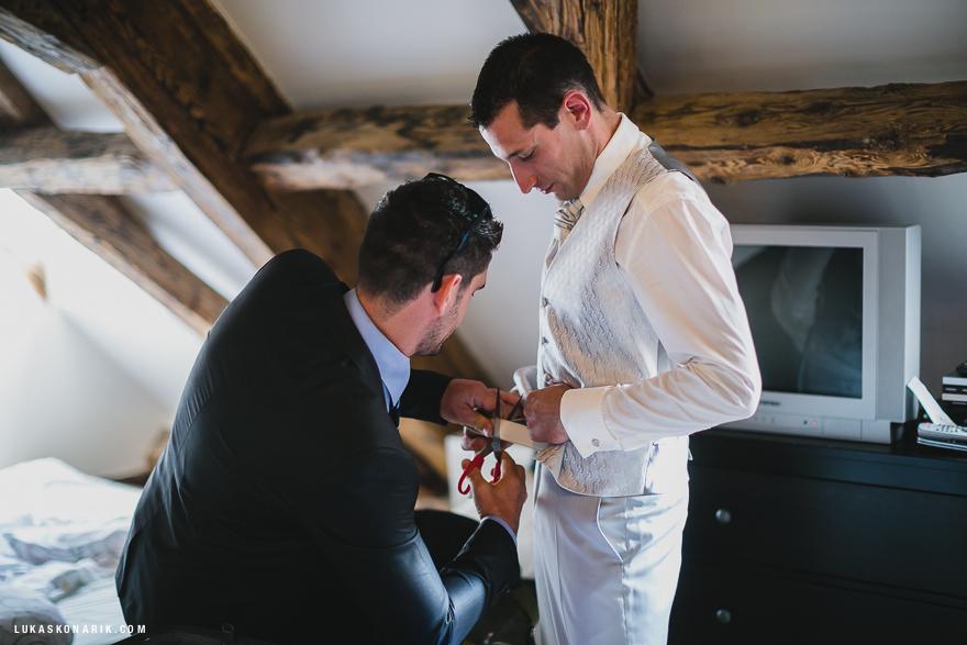příprava ženicha na svatbu