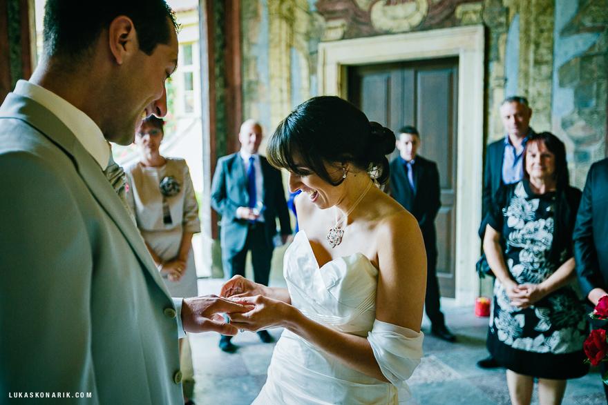 svatební fotografie Vrtbovská zahrada