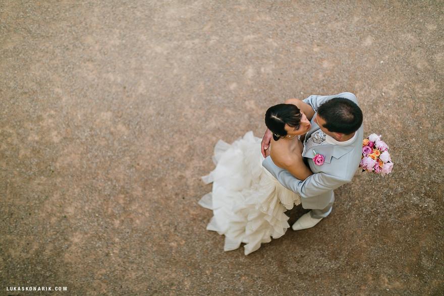 novomanželé ve Vrtbovské zahradě