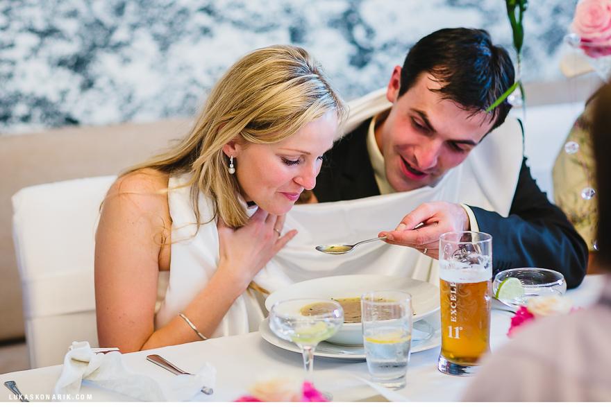 nevěst a ženich, svatební polévka