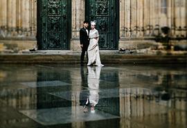 předsvatební fotografie před chrámem sv. Víta