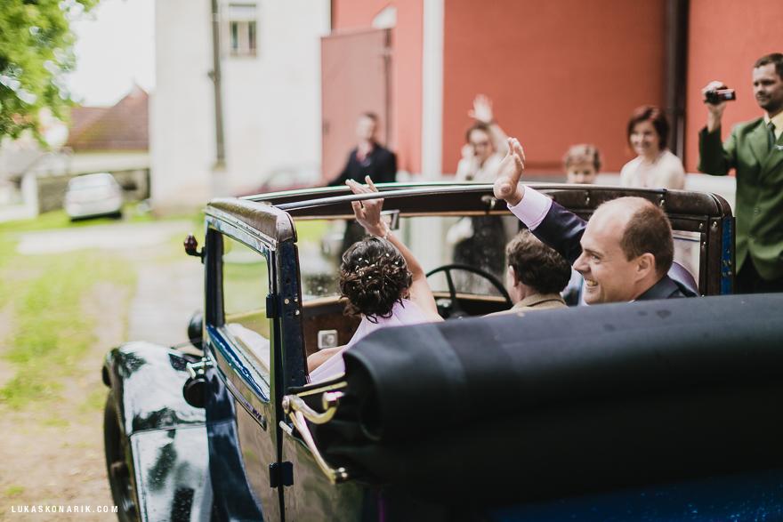 svatební fotografie u zámku Úsobí