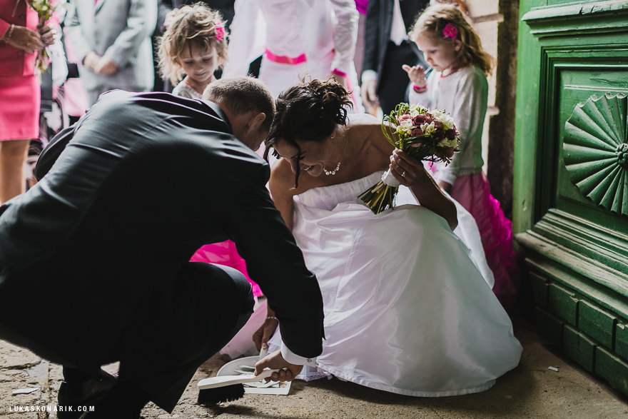svatební tradice rozvitého talíře