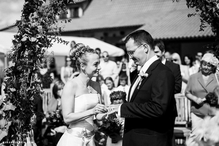 svatební fotografie na farmě Blaník