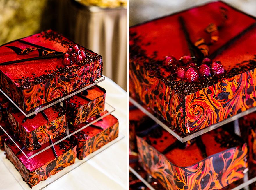 barevný svatební dort