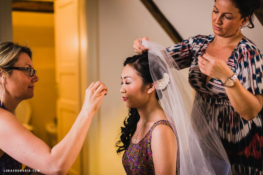 fotografie svatebního líčení nevěsty