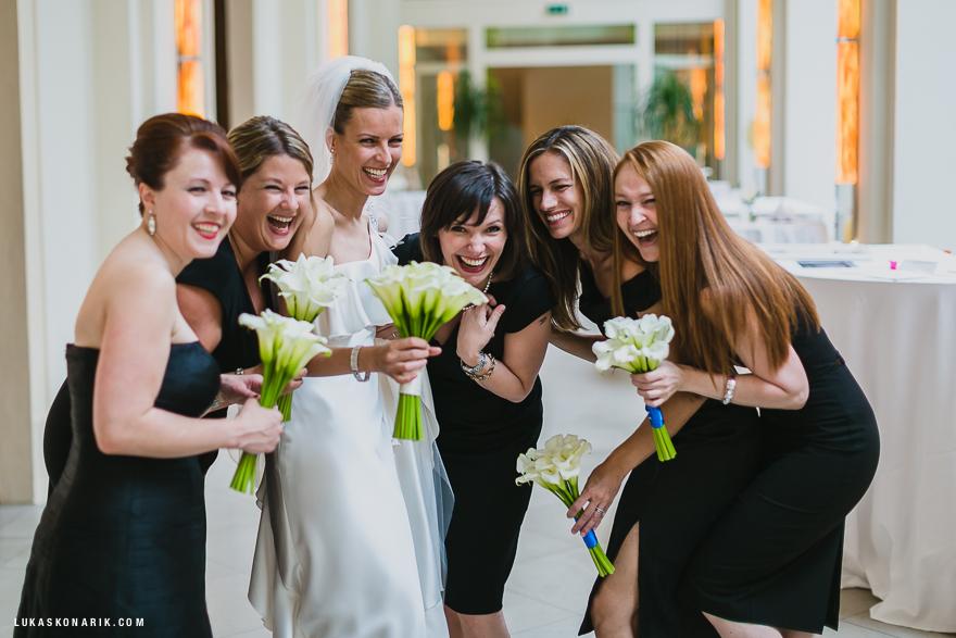 svatební fotografie před svatbou v hotelu Mandarin Oriental