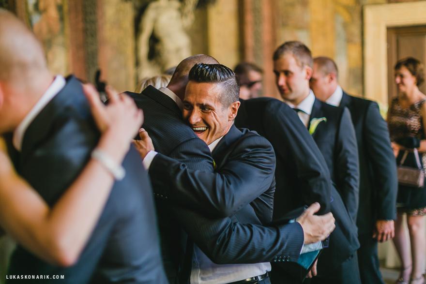 svatební fotografie emocí na svatbě