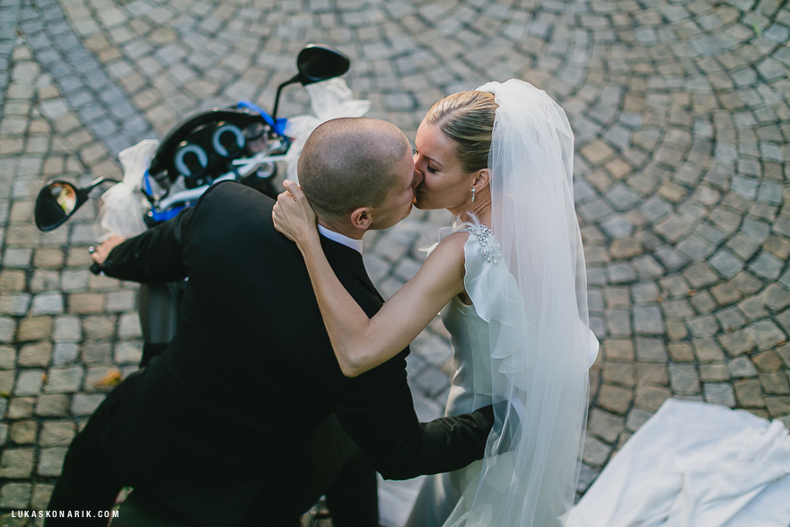 novomanželé v Praze