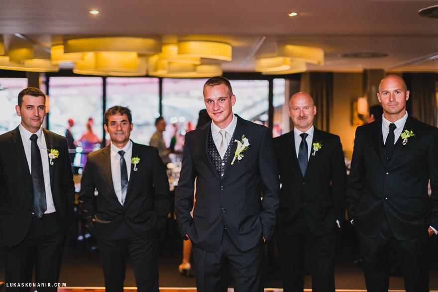 svatba v Praze, ženich a družbové