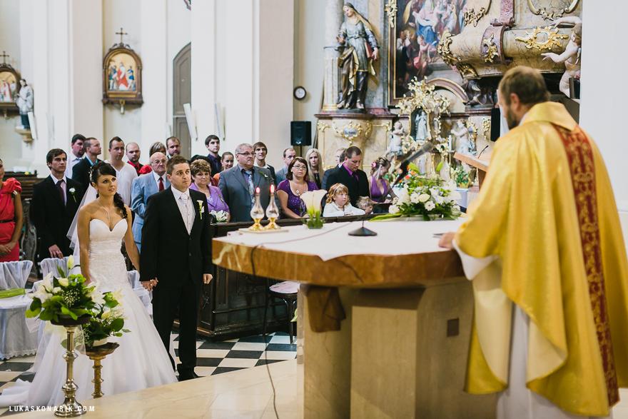 svatební obřad v kostele sv. Bartoloměje