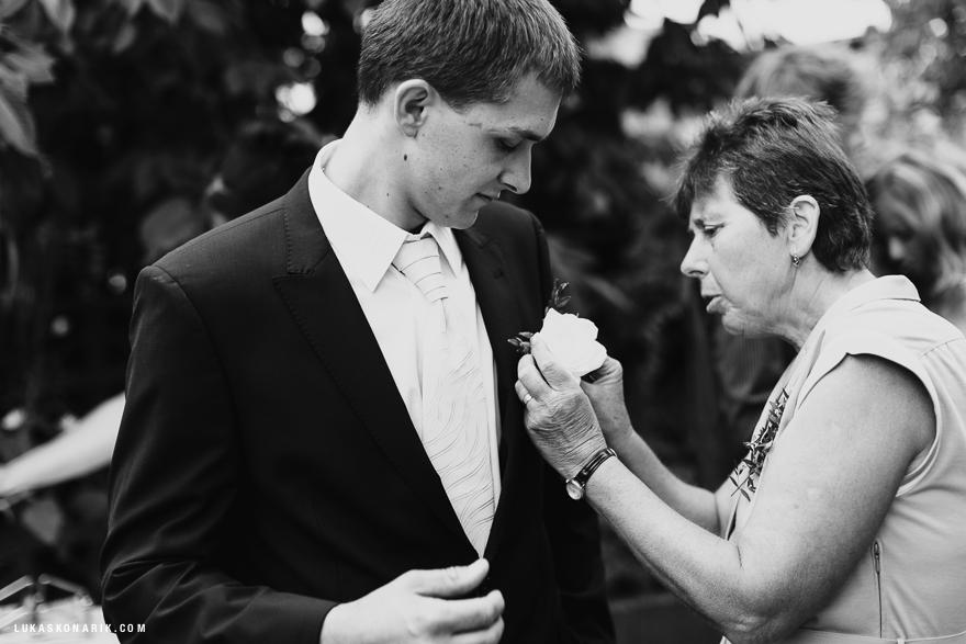 svatební fotografie ženicha