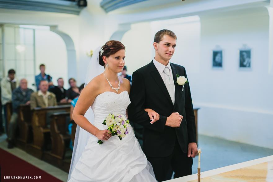 svatební fotografie obřadu na zámku Kozel