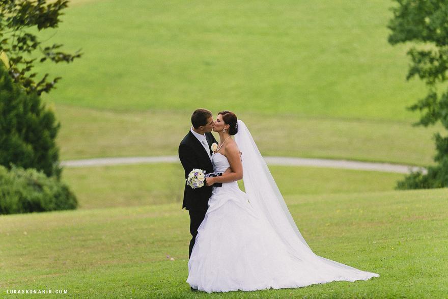 svatební fotografie na zámku Kozel