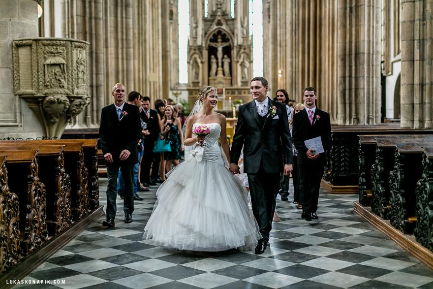 svatební fotogrfie v kostele sv. Jakuba v Brně