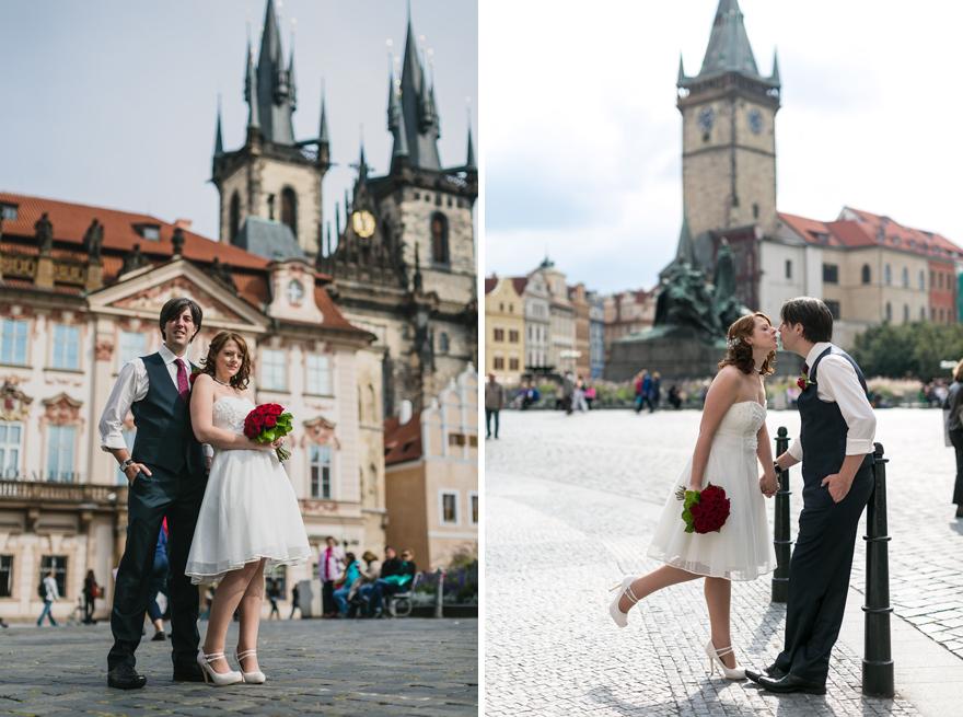 svatební fotografie nevěsty a ženicha na Staroměstském náměstí v Praze