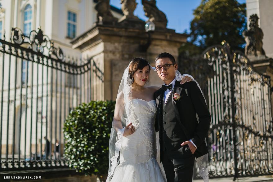 svatba v Praze u Pražského hradu