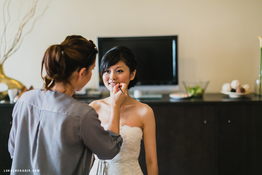 svatební příprava nevěsty