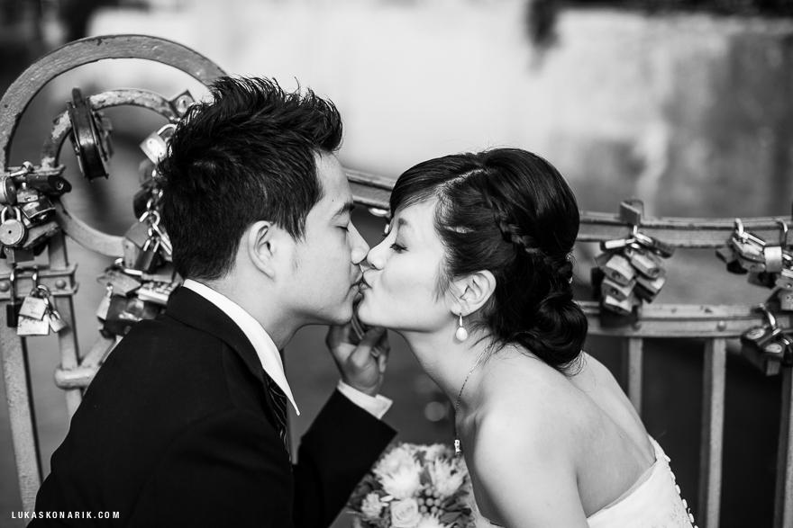 svatební fotografie novomanželů v Praze