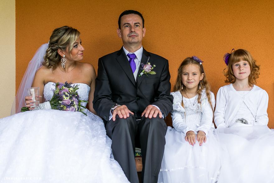 svatební fotografie s družičkami