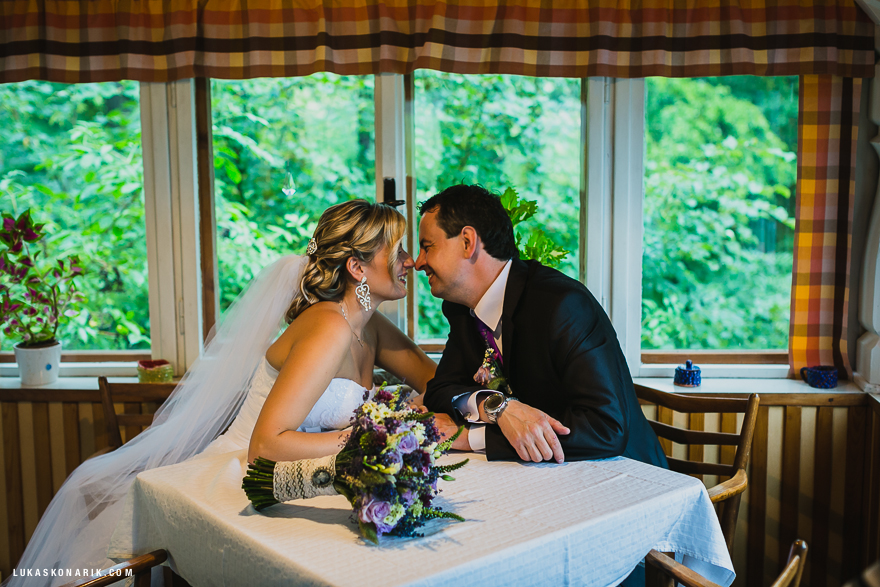 svatební fotografie nevěsty a ženicha ve Slezsku
