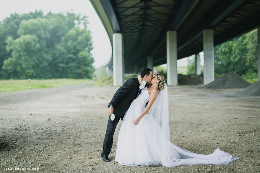 vášnivá svatební fotografie ve Slezsku