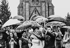 pouštění svatebních holubic