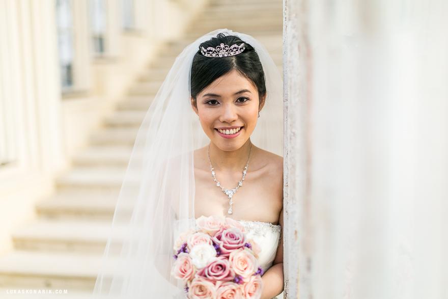 nádherná nevěsta na zámku Hluboká nad Vltavou