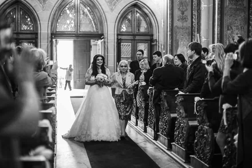 svatební obřad v kostele sv. Petra a Pavla na Vyšehradě v Praze