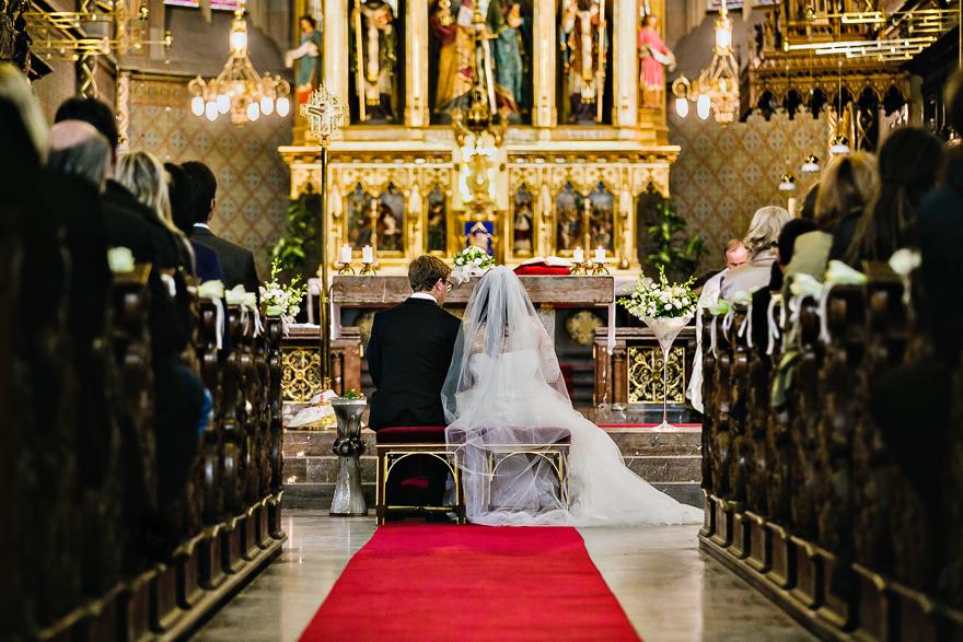 svatební fotografie v kostele sv. Petra a Pavla na Vyšehradě v Praze
