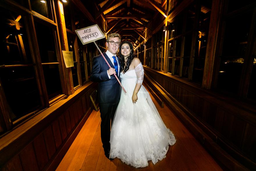 svatební fotografie novomanželů Just Married v Praze