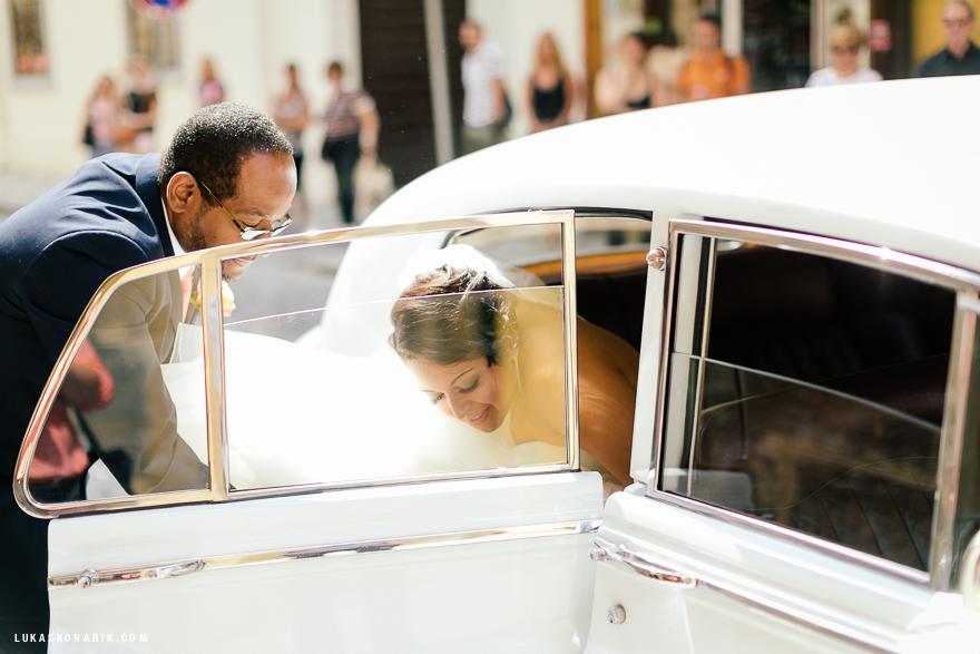 americka-svatba-v-kostelele-sv-jilji-009