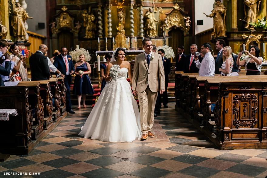 americka-svatba-v-kostelele-sv-jilji-023