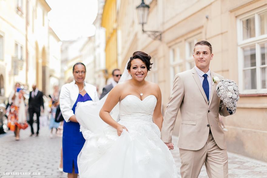 americka-svatba-v-kostelele-sv-jilji-025