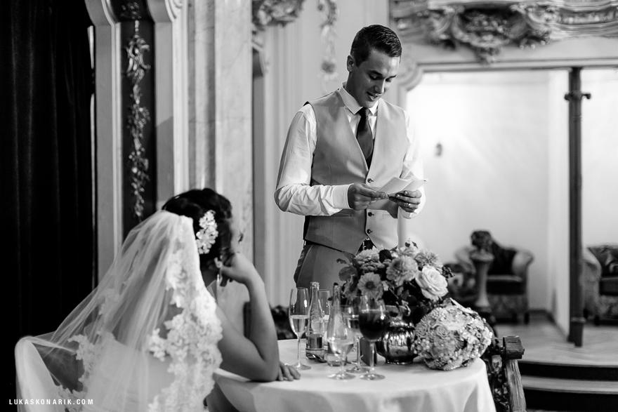 americka-svatba-v-kostelele-sv-jilji-034