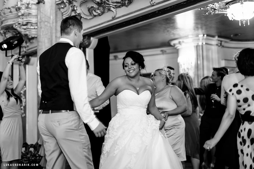 americka-svatba-v-kostelele-sv-jilji-037