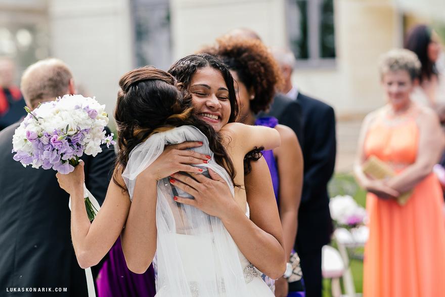 emoce na svatební fotografii