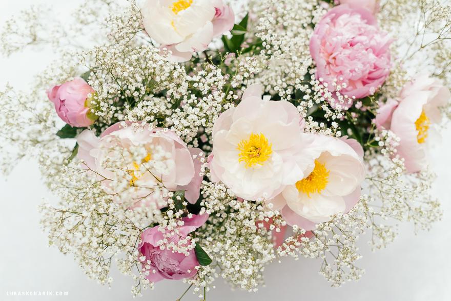 svatební dekorace z šípkových růží