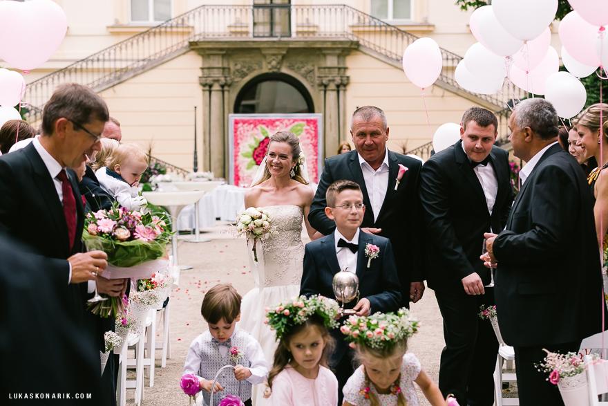 svatební fotografie v hotelu Kempinski
