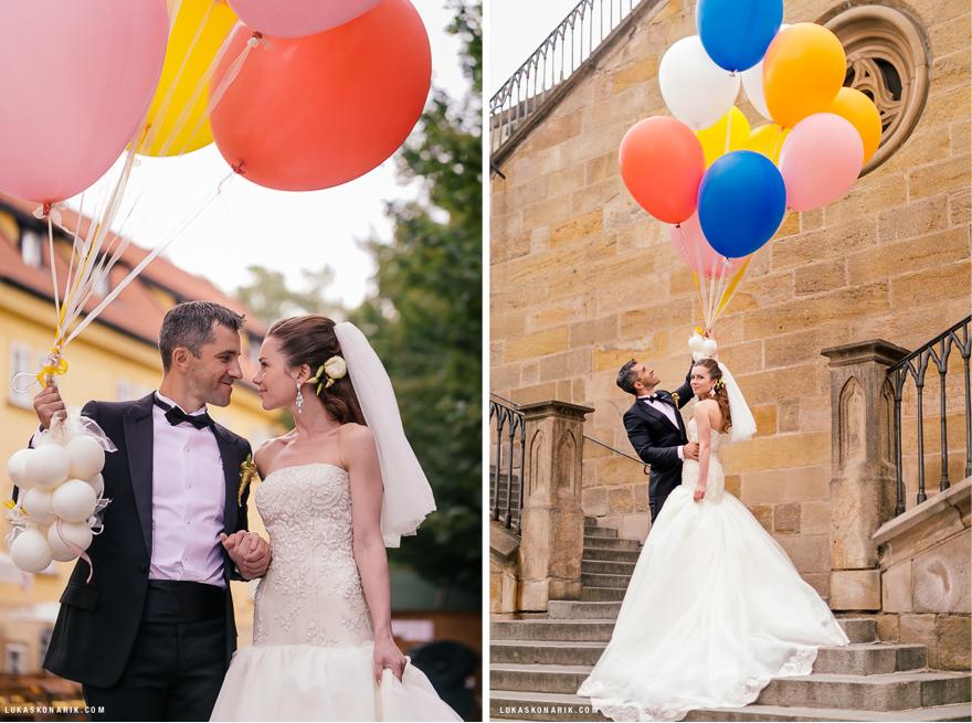 obří balonky na svatbě